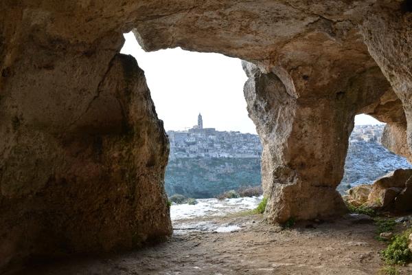 sassi-di-matera-grotta