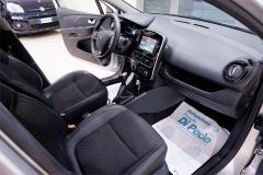 Renault CLIO 39