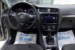VW Golf 37