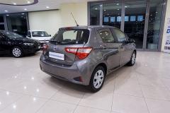 Toyota YARIS H 16