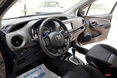 Toyota YARIS H 33