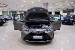 Toyota YARIS H 9