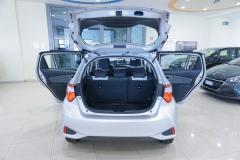 Toyota Yaris Hybrid Usato 11