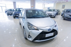 Toyota Yaris Hybrid Usato 3