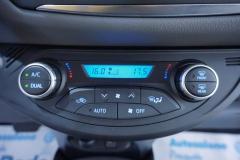 Toyota Yaris Hybrid Usato 49