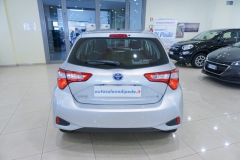 Toyota Yaris Hybrid Usato 5