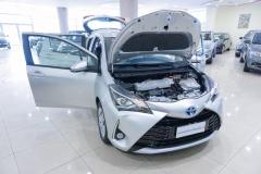 Toyota Yaris Hybrid Usato 9