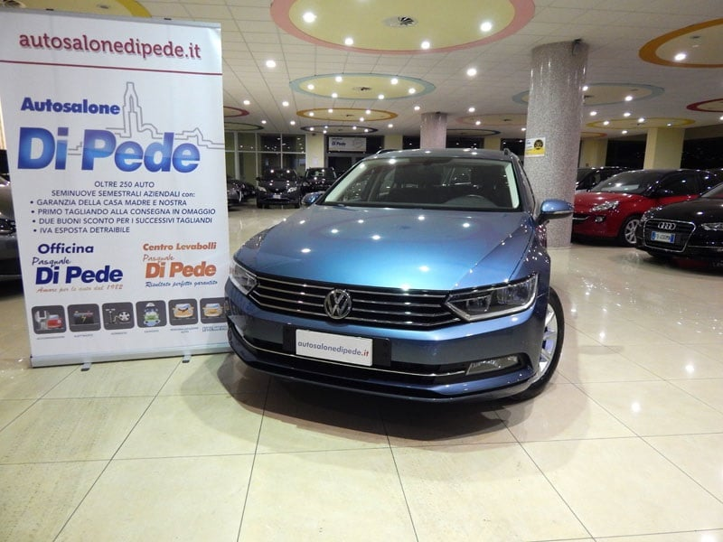 VOLKSWAGEN PASSAT SW 2.0 TDI BlueM Tech Business + Navi